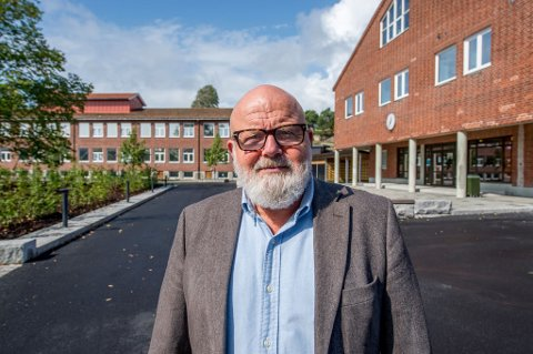 Gir stafettpinnen videre: Otto Lund slutter som rektor på Gressvik ungdomsskole i juni. Da vil han ha fylt 67 år.