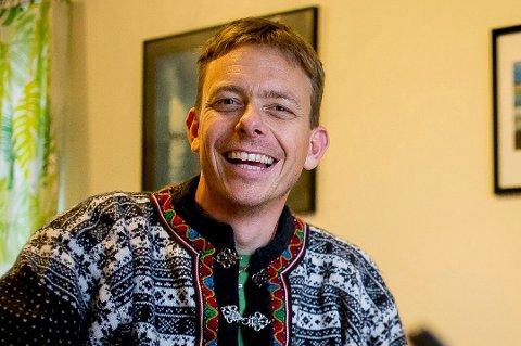 GÅ UT: Psykolog Anders Lindskog advarer folk mot å bli sittende passive.