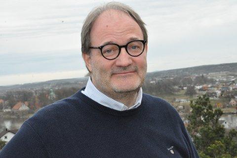 ALTOPPSLUKENDE: Petter Ringen Johannessen jobber sent og tidlig med historie. – Det er en stor glede, understreker han.