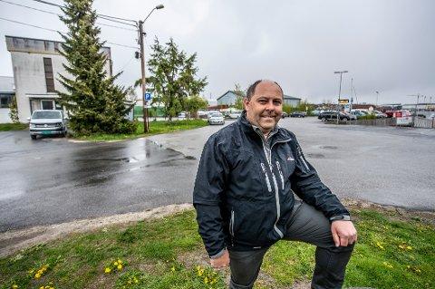 BYGGE-MODEN: Daglig leder Kim André Johansen i Solid ønsker å bygge leilighetsprosjekt nær Gressvik brygge og har kjøpt to eiendommer — én privat og en mindre fra kommunen.