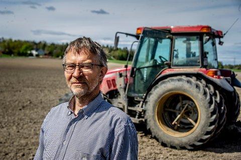 Bonde John Lilleborge har engasjert seg sterkt i deponisaken siden det ble kjent at det lagres alunskifer på naboeiendommen.