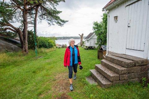 EN KAMP: Sigrun Svartedal fra DNT Nedre Glomma har vært på Pynten, og organisasjonen er en av flere som er interesserte i å drifte stedet i samarbeid med kommunen.