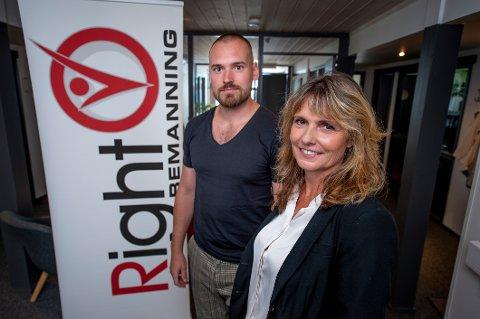 Eier Mona Saxegaard vl gi bort halvparten av aksjene sine i Right Bemanning til sønnen Robin Berg.