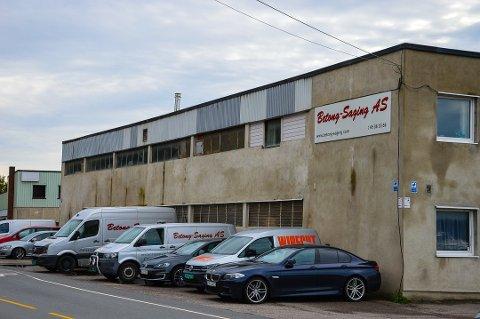 GREÅKERVEIEN: Alle de ansatte i den konkursrammede bedriften får muligheten til å jobbe andre selskaper som holder til i Greåkerveien.