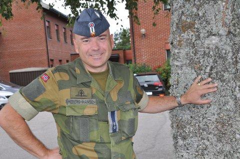 OBERSTLØYTNANT: Tore-Henrik Meberg Hansen er sjefsprest, det vil si leder for prestene i Luftforsvaret.