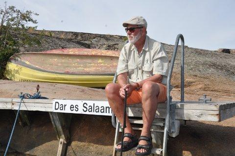 TANZANIA: Per Bertelsen på kaia ved Papperhavn, hvor han har båtplass., under navnet: Dar es Salaam, hvor han arbeidet tidligere..