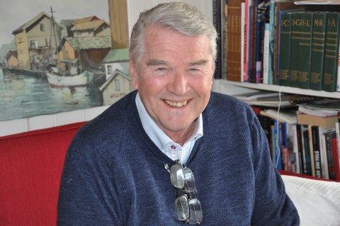 INTERESSE: Hans Glomsrud kaller seg en glad og optimistisk person, som også er interessert i gamle biler og traktorer.