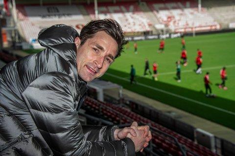 Anders Østli er fortsatt ubeseiret som Kråkerøy-trener. - Ingen dårlig statistikk, men vi skulle gjerne ha spilt noen kamper snart, smiler Østli.