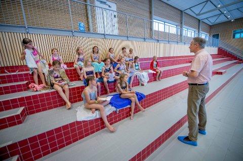 3. klassingene fra Borge barneskole har fulgt nøye med på planene i lokalsamfunnet, og det var en engasjert gjeng som fikk møte ordfører Jon-Ivar Nygård på mandag.