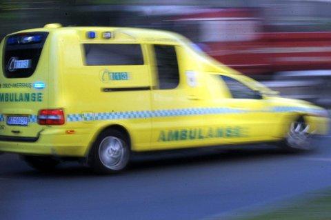 RØD LINJE: Ambulansemannskapene har telefonnummer til entreprenøren som jobber med Forsa-tunnelen. Slik kan de få ryddet E6 for sprengstein ved behov.