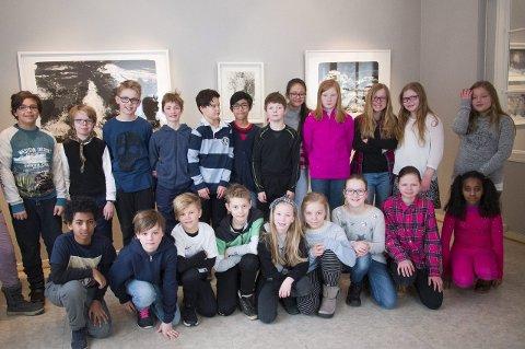 Skolebesøk: Klasse 6 B fra Frydenlund skole brukte første del av skoledagen torsdag i museet. – Vi kommer hit hver Vinterfestuke, forteller de. begge foto. jan erik teigen