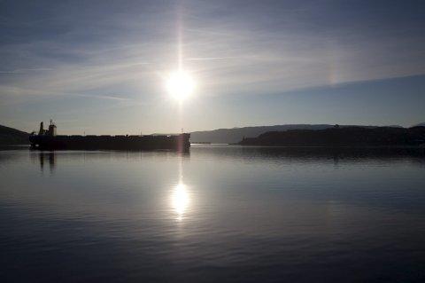 SOLSKINN: Meteorologene lover at sola kommer til å skinne over Narvik de neste ti dagene. Det blir en strålende start på oktober med sol og 12-13 grader til langt ut i neste uke.