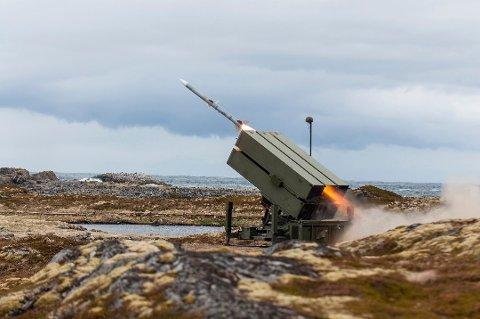 Arkivbilde fra en øvelse på Nordmela skytefelt på Andøya. Bildet viser luftvernsystemet NASAMS II. (Foto: Martin Mellquist / Forsvaret)