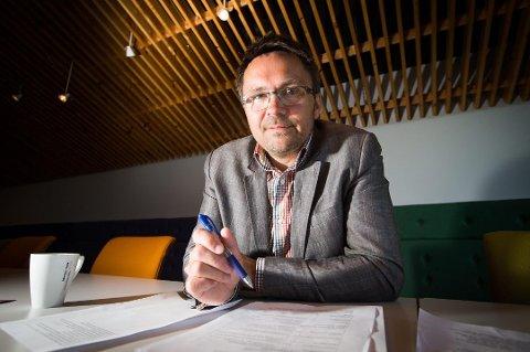 Behovet for sykepleiere kommer bare til å øke i fremtiden, det er derfor på mange måter et smart og sikkert valg, sier Asbjørn Bartnes, kommunikasjonsdirektør ved UiT. (Foto: arkiv)