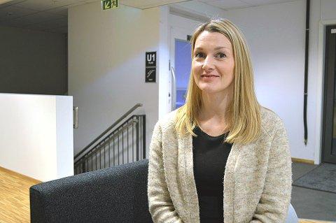 IKKE FOKUS: June Berg-Sollund fokuserer på deres kunder, men har registrert at folk som benytter seg av Airbnb. Foto: Julie Arntsen.