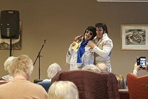 TVILLINGSJEL: Kjell Elvis møtte Ballangens svar på Elvis, Elvira. Hun sier det var som å møte sin tvillingsjel.