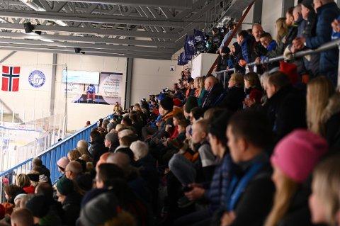 FOLK: Narvik Hockey kan ikke leve uten publikum, om ikke klubben kompenseres.