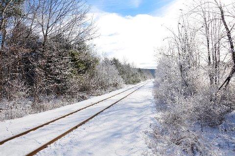 LIVSFARLIG: Å nærme seg det forulykkede toget betegnes som livsfarlig. Illustrasjonsfoto