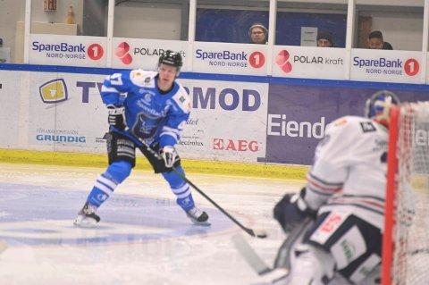 SNAKKET MED: Sebastian Johansen var blant spillerne sportssjef Lysenstøen i Narvik hockey snakket med etter siste sesong.