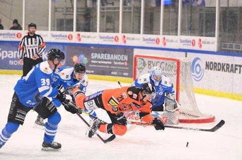 FORTSETTER OPPTUREN? Narvik hockey leverte to gode prestasjoner ute på isen mot Frisk sist helg.