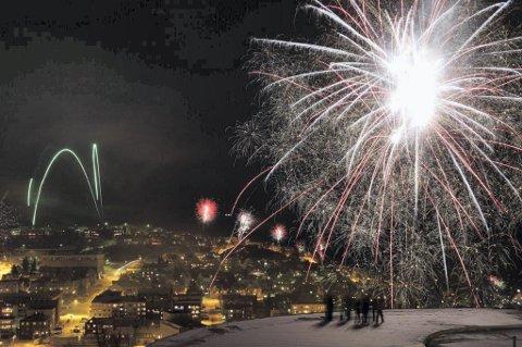 BLIR FEIRING: Det blir feiring av overgangen til et nytt år, men man må huske på koronareglene. Arkivfoto