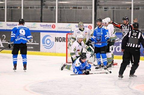 NY LAGKAMERAT: Narvik sine hockeyspillere får i løpet av kort tid en ny rutinert lagkamerat.
