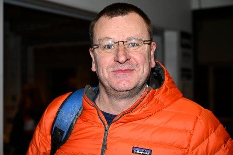 REAGERER: Tidligere hockeyleder i Narvik reagerer og kaller hele sak rundt Narvik hockey pussig.