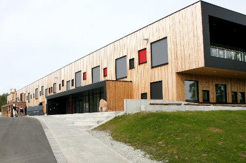 SPLITTER NY: Bardufoss videregående skole ble tatt i bruk høsten 2018. Kort tid etter ble det målt radonverdier over dobbelt så høye som grenseverdien for oppholdsrom.