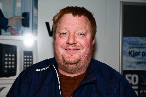 LEDER: Terje Feragen sier at også han er skuffet når hockeylaget taper.