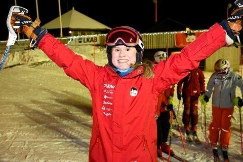 – Jeg er kjempeglad for at bakken endelig er åpnet, sier 12 år gamle Vårin Evju.