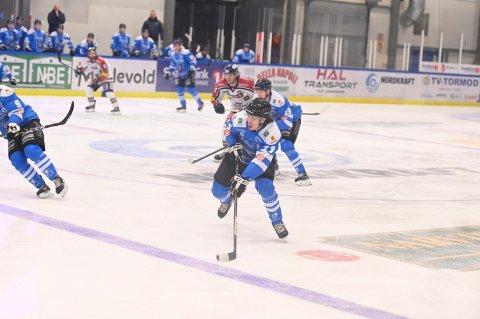PÅ BUNNEN: Etter et Norges ishockeyforbund besluttet å avslutte sesong har Narvik endt opp på bunnen. Klubben er frustrert over regelverket som har ført dem dit.