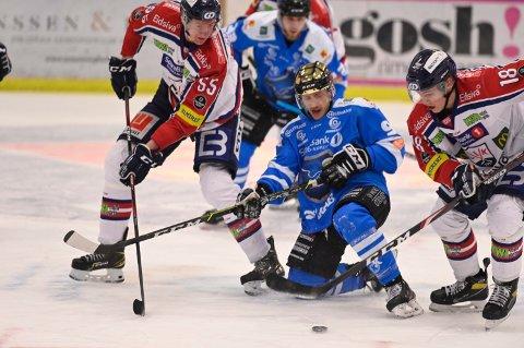 JOBBER MED: Narvik hockey jobber på trneing med spill i over- og udnertall, sier lagets trener.