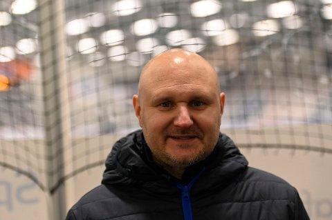 TRENER: Hovedtrener Mikael Kvarnström var fornøyd med store deler av kampen mot Kiruna AIF onsdag kveld, tross tap.