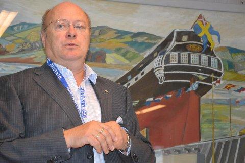SLUTT: Øystein Bredal-Thorsen ble takkets av som leeder av Horten næringsforening.