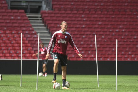SUKSESS: Julian Kristoffersen og resten av FC Københavns U19-lag tok seg til sluttspillere i U19 Champions League etter å ha slått Club Brugge 3-0 i Belgia.