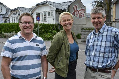 På frierføtter: Finn-Øyvind Langfjell (H), Maria Aasen-Svensrud (Ap) og Ivar Andreassen (Sp) håper at Re vil slå seg sammen med Horten.