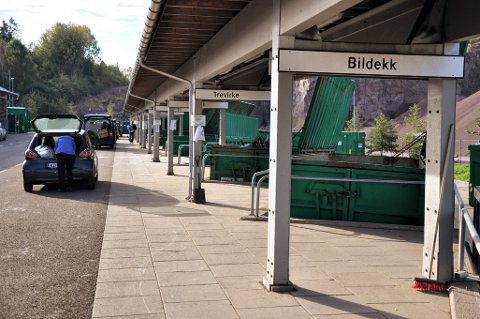 TILFELDIG: Politiet foretar ikke egne kontroller av bilister som skal levere avfall på gjennvinningsstasjonen.