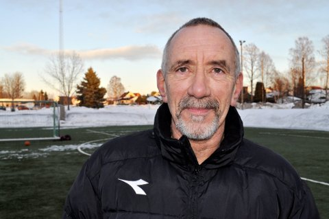 OPTIMIST: – Vi kan ikke gi opp, og jeg er optimist foran en ny sesong der Borre skal stille med både A-lag og juniorlag, sier trener Trond Sørensen. Samtidig kan lokalfotballen ha kommet i en alvorlig situasjon.