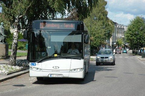 STENGTE GATER: Når deler av byen stenges i forbindelse med barnehagetog, Tour of Norway og feiringen av 17. mai, må bussene kjøre litt alternative ruter.