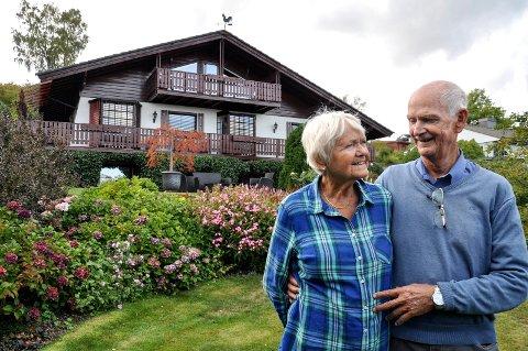 TYROLERHUS: Marit og Agnar Liset ville ikke ha et hus makent til alle andres. Det har de heller ikke fått.