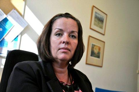 TOK TAK I DET: Rektor Heidi Walvik på  Borre ungdomsskole ville hindre at problemer med forsøpling og nasking utartet. Hun innkalte derfor elever og foreldre til møte.