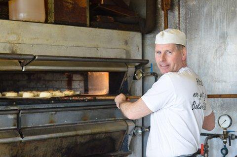 PRØVENEMND: Bent-Ivar Amundsen har vært prøvenemnd i baker- og konditorfaget i omtrent 14 år.