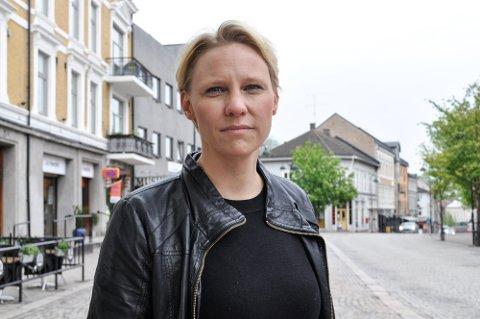 TI ÅR: Maria Aasen-Svensrud glemmer aldri 22. juli 2011. - Vi må fortsette å kjempe for menneskeverd, frihet, likhet og solidaritet.
