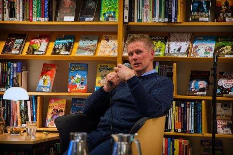 TIL GJESDAL?: Sauebonde og forfatter Tore Kvæven har fått i gang en folkeavstemning der de som bor i Øvre Sirdal skal avgjøre om de skal  søke overgang fra Sirdal til Gjesdal.