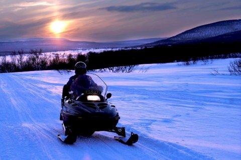 SCOOTER: Det blir opp til kommunene å regulerer bruken av snøscootere.