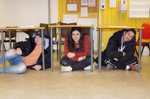 Reem Al-Jumaily, hennes medpresident Sigurd Bråten Østli og bøllesjef Rahman Al-Sultan forteller at de har lagt vekt på at det skal finnes knuter som er gjennomførbare for alle