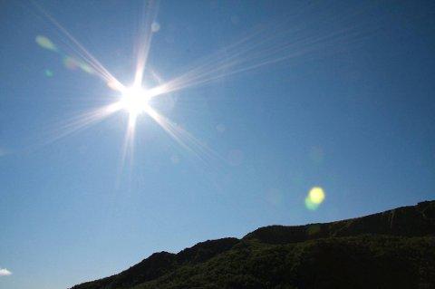 Meteorologen melder sol og oppholdsvær, men ikke all verdens med varme.