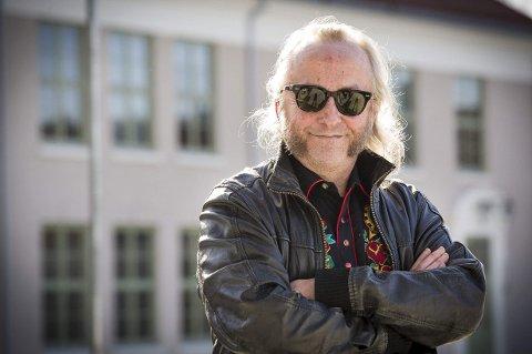 AKTUELL: Levi Henriksen har travle dager både som forfatter og musiker.foto: jens haugen