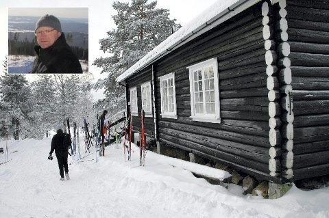 SNØFATTIG OG STENGT: Erland Nordsetmoen i Slåstad IL håper vinteren vender tilbake og lager skiføre på Trondsbu, slik som da dette bildet ble tatt.