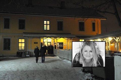 REAGERER: Innehaver av Kulturpuben i Lillestrøm, Lotte Andersen, reagerer på tidspunkt og størrelse på en faktura fra Lillestrøm kommune.